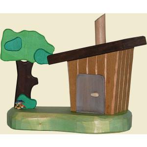 Räucherhaus Stall mit Baum