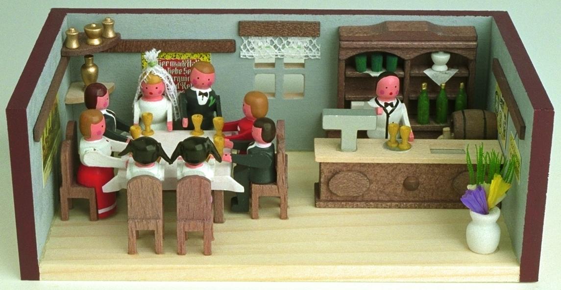 Miniaturstube Hochzeitsstube BxHxT 11x4x6 cm NEU