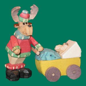 Elch mit Kinderwagen geschnitzt 9 cm bunt