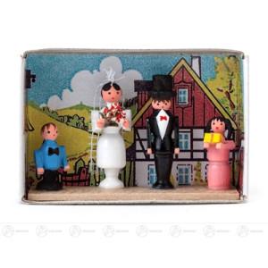 Miniatur Zündholzschachtel Brautpaar Breite x Höhe ca 5,5 cmx4 cm NEU
