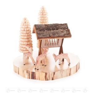 Miniatur Rehe geschnitzt mit Futterraufe und Bäumchen, auf Baumscheibe Höhe ca 11 cm NEU
