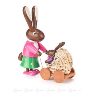 Ostern & Frühjahr Häsin mit Kinderwagen farbig Breite x Höhe x Tiefe 8 cmx23,5 cmx22 cm NEU