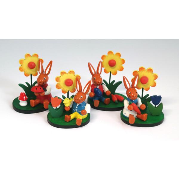 Hase mit Blume auf Sockel 4fach sortiert (1PRO KAUF) BxTxH 5,5 x 4,5 x 6,5 cm NEU