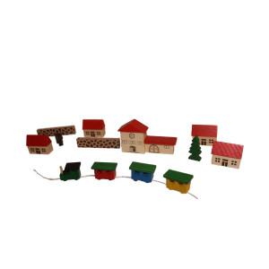 Holzspielzeug Spielzeugdorf mit Bahnhof im Beutel NEU